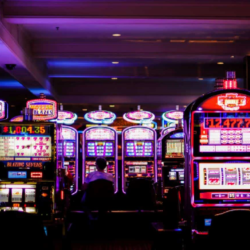 How to win at slots in online casino?