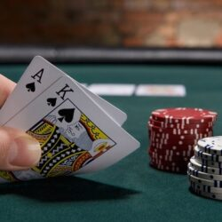 Online Poker – Simple Instructions To Help Newbie Players!