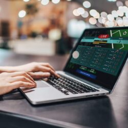 Online Betting Is Way Better Than The Offline- How?