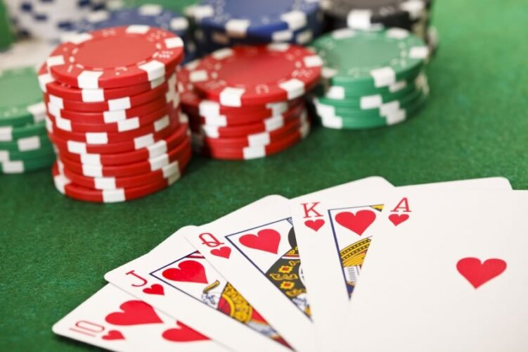 Baccarat Game & the Chances for the Players to Win the Game