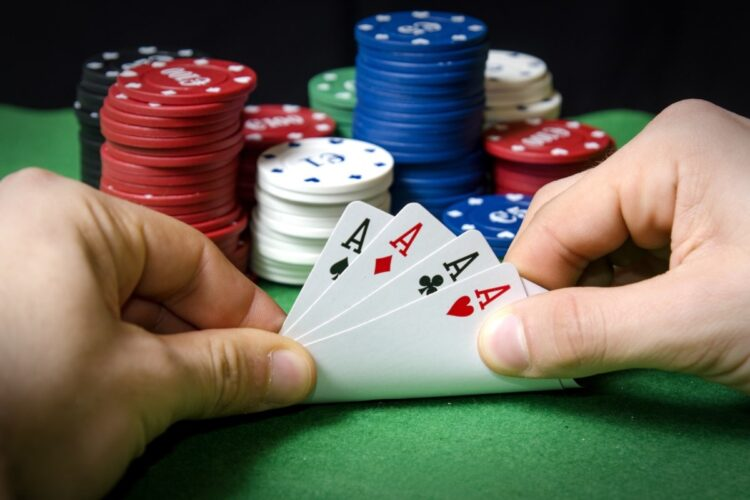 Check Out These One Of the Best Benefits of Poker Games Online